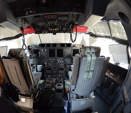 international air fest siaf 2011-Cockpit Hercules C 130 US Air Force Editorial