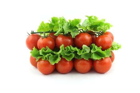 detalles de tomate cereza aislado en blanco