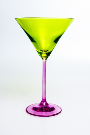 copa martini: Copa de martini verde y morado Foto de archivo
