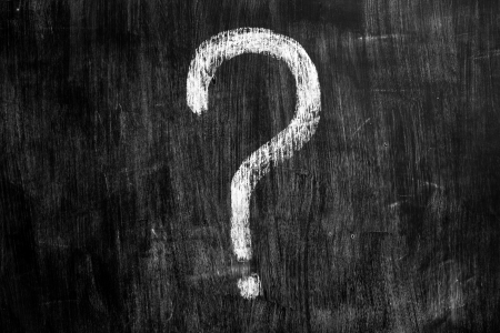 punto di domanda: Punto interrogativo sulla lavagna Archivio Fotografico