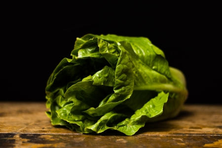cos: Cos lettuce on wood surface