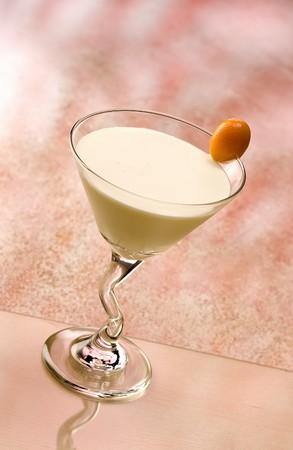 intoxicant: Golden Cadilac cocktail con un piccolo arancione