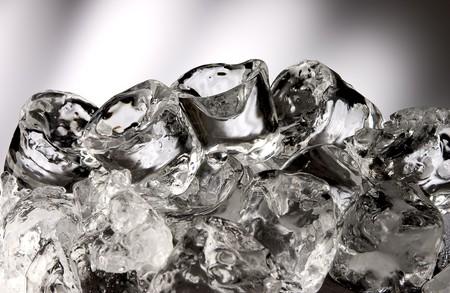 pellucid: Cubos de hielo apilados  Foto de archivo