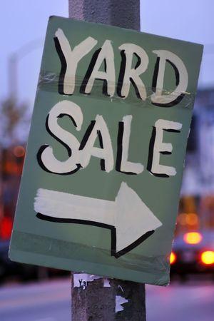 yard sale: Handmade Yard Sale Sign Stock Photo