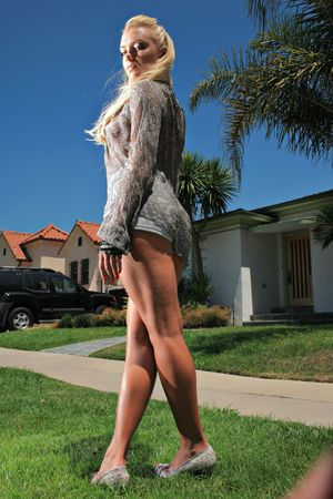 Hot blond under the hot sun, Los Angeles, California