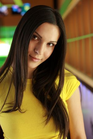 dof: Portrait of a beautiful young woman. Shallow DOF.