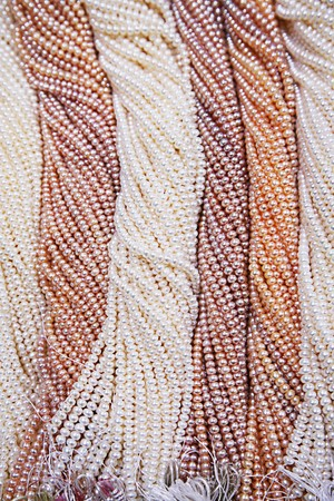 Pearl strings background