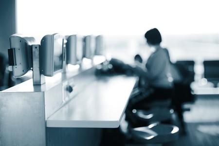 cafe internet: Internet caf� en el aeropuerto. Someras DOF. Foto de archivo