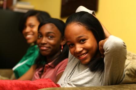 adolescentes chicas: Tres hermanas adolescentes lindo juntos. Someras DOF.