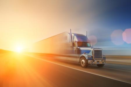 lorry: Camion sulla strada. California, USA Archivio Fotografico
