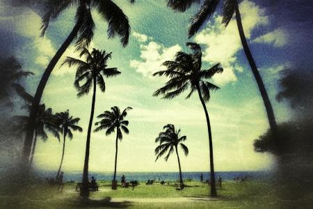Palmbomen op tropisch strand in Hawaï meer dan vintage grunge textuur achtergrond Stockfoto