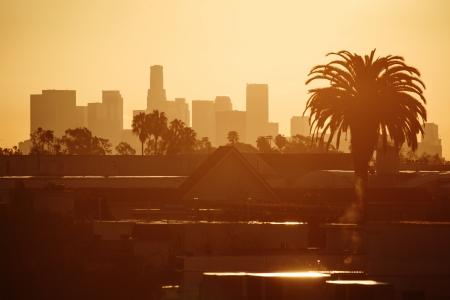 Golden Los Angeles city skyline in morning. Foto de archivo