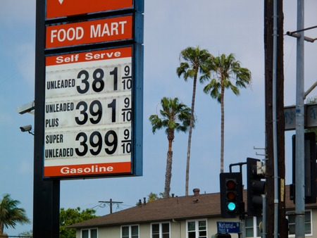 High prices at generic cheap gas station in Los Angeles, California