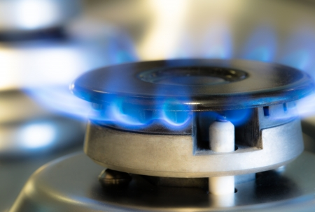 Gáztűzhely lángja égő gáz, műterem lövés