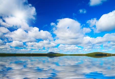 Day. Sun. Clouds. Sea. Idill.