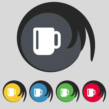 tasse caf�: tasse de caf� ou de th� ic�ne signe. Symbole sur cinq boutons color�s. Vector illustration