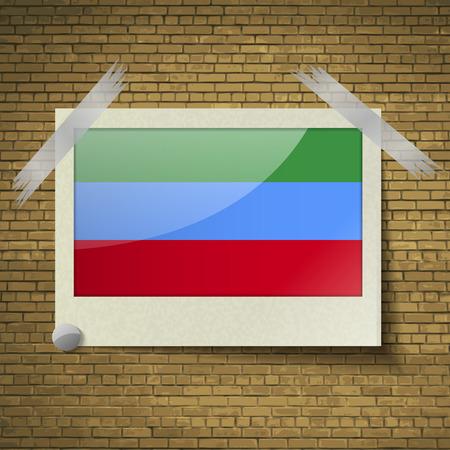 brick background: Bandiere del Daghestan in cornice su uno sfondo di mattoni. Illustrazione vettoriale Vettoriali