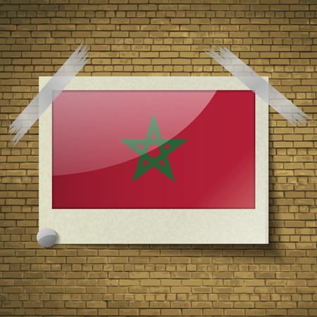 brick background: Bandiere del Marocco in cornice su uno sfondo di mattoni. Illustrazione vettoriale Vettoriali