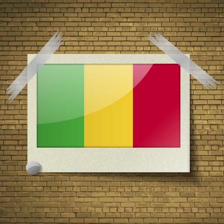brick background: Bandiere del Mali in cornice su uno sfondo di mattoni. Illustrazione vettoriale Vettoriali