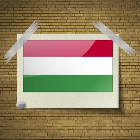 brick background: Bandiere di Hugary a telaio su uno sfondo di mattoni. Illustrazione vettoriale