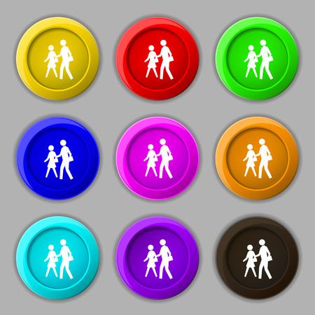 passage clout�: passage pour pi�tons signe ic�ne. symbole sur neuf rondes boutons color�s. Vector illustration