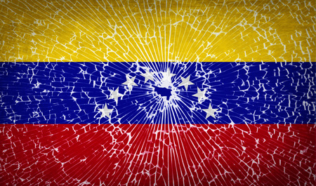 venezuelan: Banderas de Venezuela con la textura de vidrio roto. Ilustraci�n vectorial