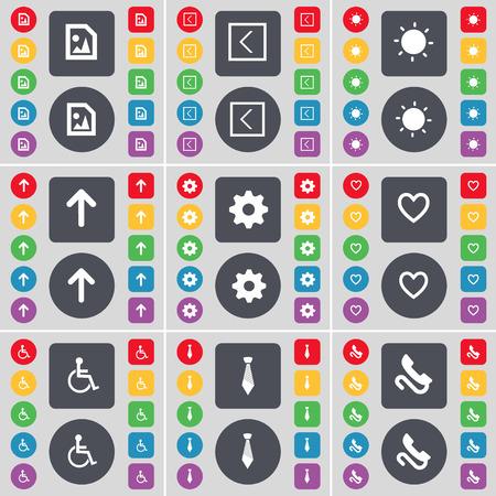 personne handicap�e: Fichier multim�dia, fl�che gauche, Lumi�re, Fl�che haut, vitesse, coeur, handicap�s, Cravate, R�cepteur symbole de l'ic�ne. Un vaste ensemble de plats, des boutons de couleur pour votre conception. Vector illustration Illustration