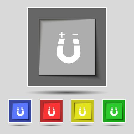magnetismo: im�n de herradura, el magnetismo, magnetizar, atracci�n icono de la muestra en cinco botones de colores originales. ilustraci�n Foto de archivo