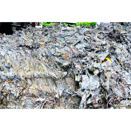 papelera de reciclaje: Recycle foil, reused and recycle bin Foto de archivo