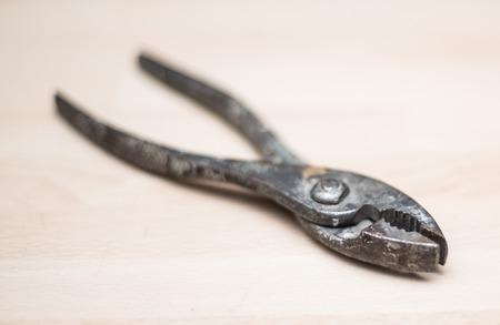 pincers: Pliers
