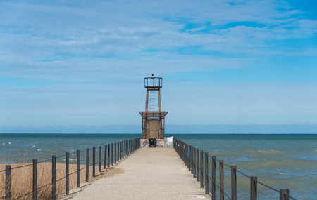 lake michigan lighthouse: Lighthouse on Michigan Lake Foto de archivo