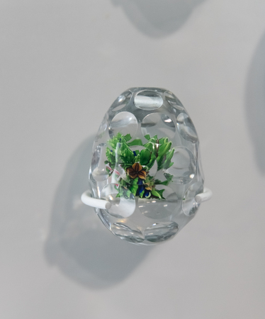 diamond shape: Decorated paperweight