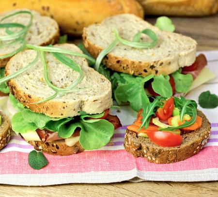 ham sandwich: Panino vegetariano e panino al prosciutto Archivio Fotografico