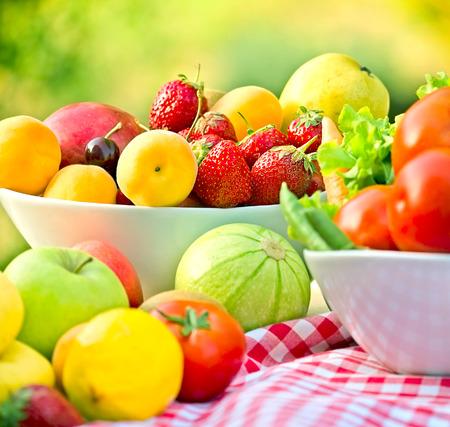 Biologische groenten en fruit Stockfoto
