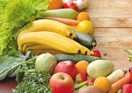 Frutta fresca e verdura - alimenti biologici cibo sano Archivio Fotografico