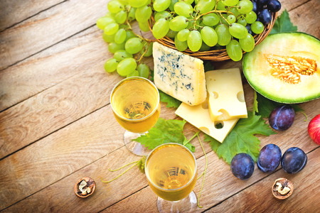 riesling: White wine and seasonal fruits for your pleasure