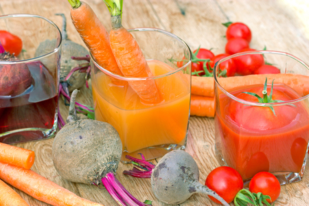 carrot juice: Carrot juice, tomato juice and beet juice - healthy drinks