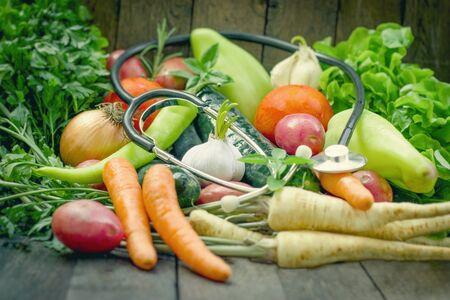 Una alimentación saludable para la salud, la elección correcta son las verduras frescas y orgánicas.