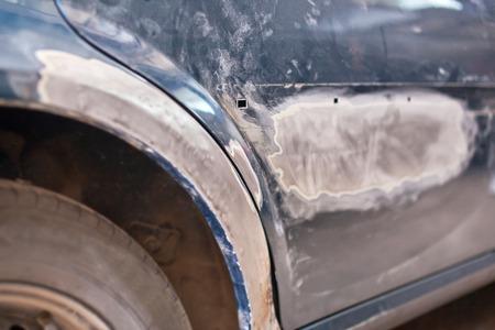 cartilla: Reparaci�n del coche viejo: Masilla de imprimaci�n.