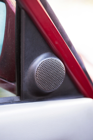 Acoustic system in an old retro car