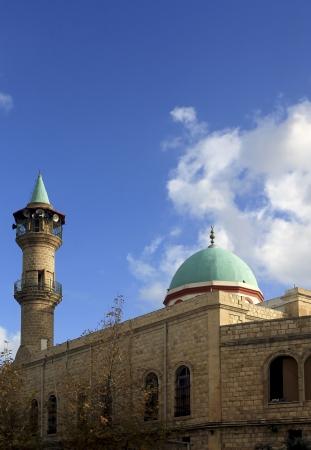 tr�delmarkt: Moschee in Haifa nahe dem Flohmarkt Lizenzfreie Bilder