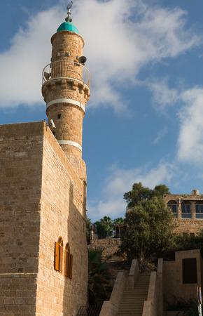 yaffo: torre de la mezquita en la antigua Jaffa Tel Aviv