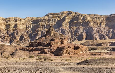 Mount a screw in Timna Israel