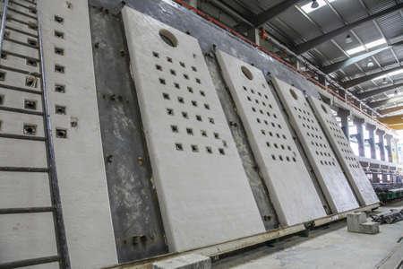 Precast concrete facade elements in production