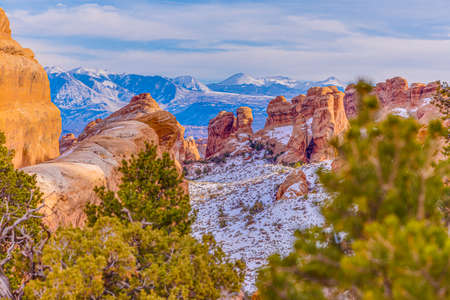 Panoramic picture of natural and geological wonders of Arches national park in Utah 版權商用圖片