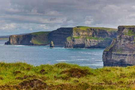 Panorama picture of the Cliffs of Moher at the west coast of Ireland 版權商用圖片