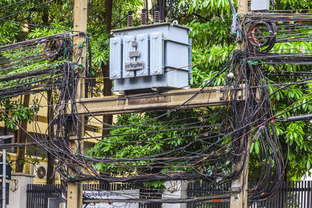 Picture of chaotic wiring in Bangkok