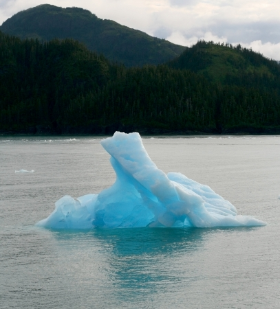 Blue alaskan ice berg