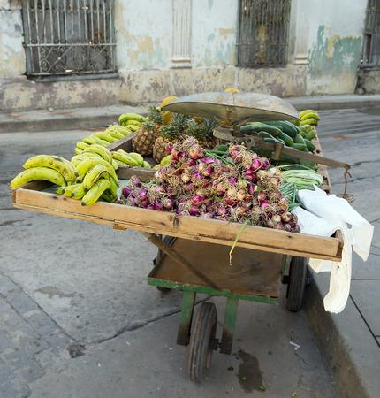 handcart: Fruits seller handcart, Remedios city, Cuba