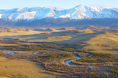 altay: Chuya river flows in a Kuray steppe of Altay Mountains